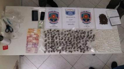 Material foi apreendido com suspeito  (Foto: Polícia Militar/Divulgação)