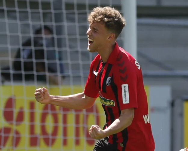 Alemão Waldschmidt, de 24 anos, estava no Freiburg e deve ser atacante do Benfica — Foto: Ronald Wittek/Reuters