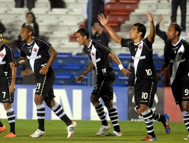 Diego Souza gol Vasco (Foto: AP)