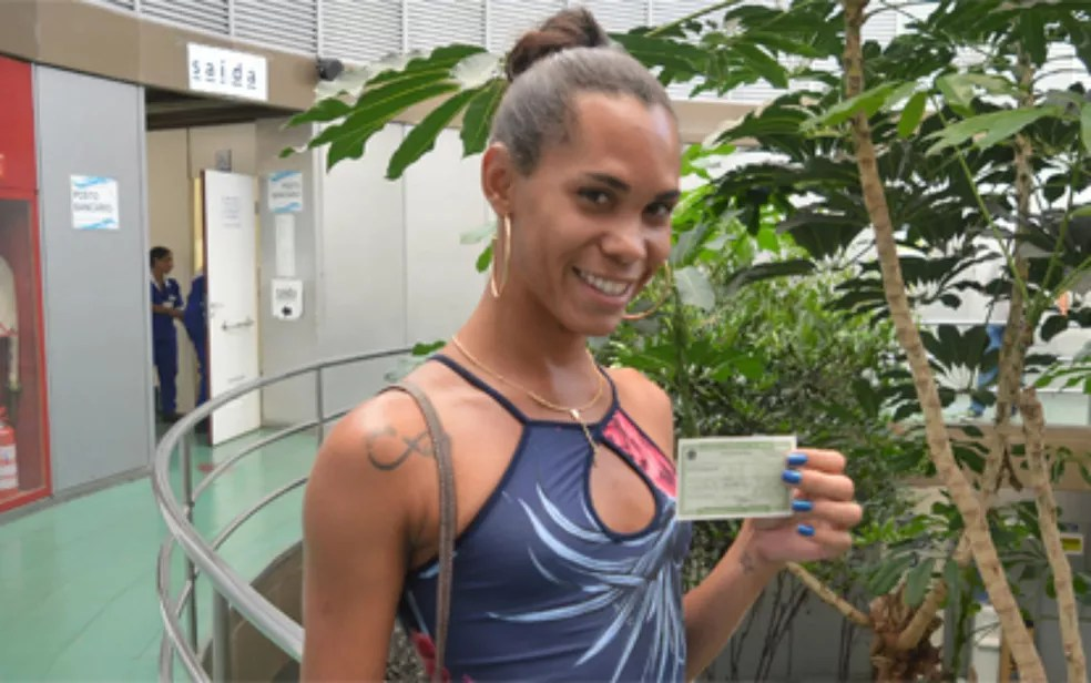 Mulher trans foi a primeira baiana a colocar nome social em título de eleitor. (Foto: Divulgação/TRE-BA)