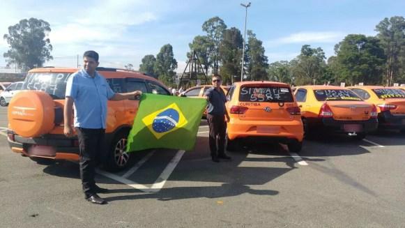 Antes de irem ao aeroporto, taxistas se concentraram no Bioparque, em Curitiba (Foto: Marino Noronha/Arquivo pessoal)