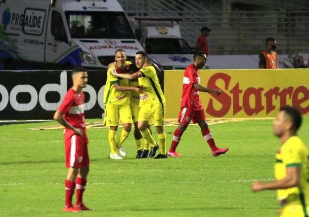 CRB deixou escapar pontos nos últimos dois jogos como mandante da Série B — Foto: Ailton Cruz/Gazeta de Alagoas