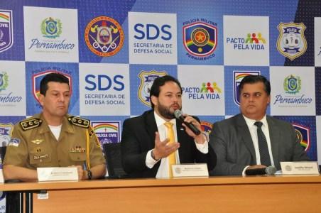 Representantes das polícias Civil, Militar e do governo do estado apresentam detalhes da Operação São João 2018 (Foto: Carlos Medeiros/SDS/Divulgação)