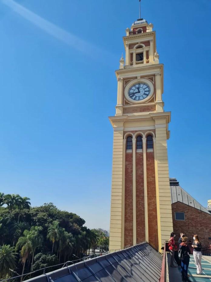 O relógio do prédio do Museu da Língua Portuguesa: espaço será reinaugurado no dia 31 de julho de 2021 — Foto: Bárbara Muniz Vieira/G1