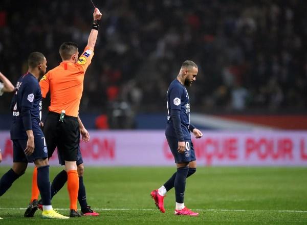 """Tuchel defende Neymar após expulsão em vitória do PSG: """"Ele é humano"""""""
