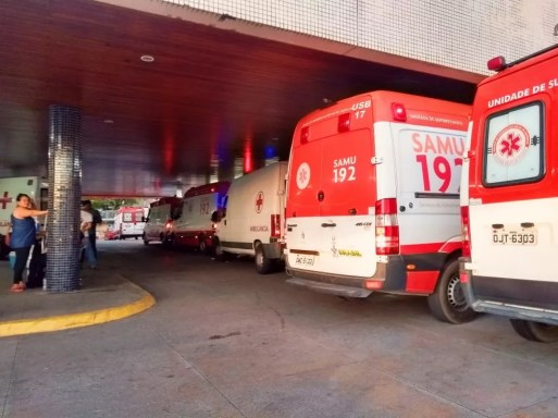 Sessenta e uma pessoas estão nos corredores do Walfredo Gurgel — Foto: Acson Freitas/Inter TV Cabugi