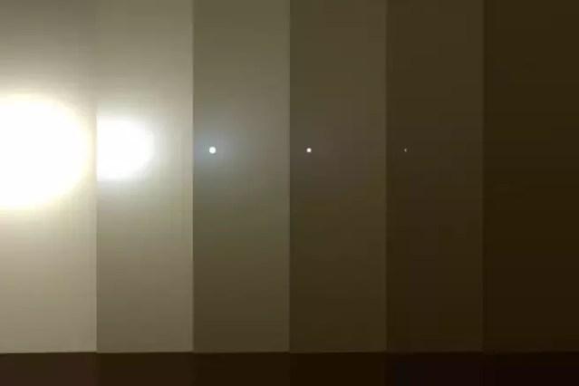 Ilustração da NASA mostra como a areia está bloqueando a possibilidade da sonda se recarregar por meio da energia solar (Foto: JPL/NASA)