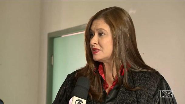 Promotora Alessandra disse que 'Corumbá' efetuou pauladas na cabeça da vítima e ainda comeu o cérebro (Foto: Reprodução/TV Mirante)