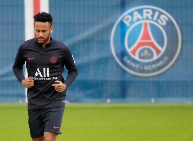 Barcelona desiste de contratar Neymar, e permanência do craque no PSG é iminente