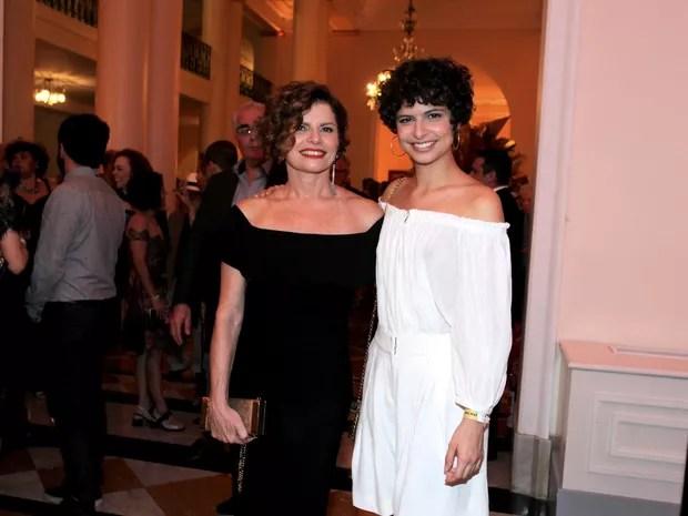 Debora Bloch e a filha, Júlia Anquier, em prêmio de teatro na Zona Sul do Rio (Foto: Marcello Sá Barretto/ Ag. News)