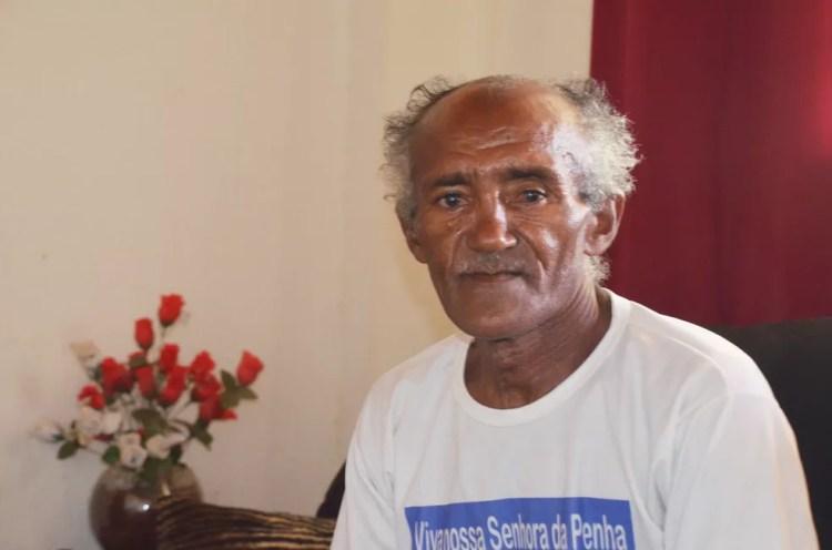 Noel da Silva, de 55 anos, foi um dos agricultores que tiveram as terras desapropriadas com a construção da transposição em Monteiro — Foto: Érica Ribeiro/G1