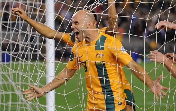 Mark Bresciano gol Austrália (Foto: Getty Images)