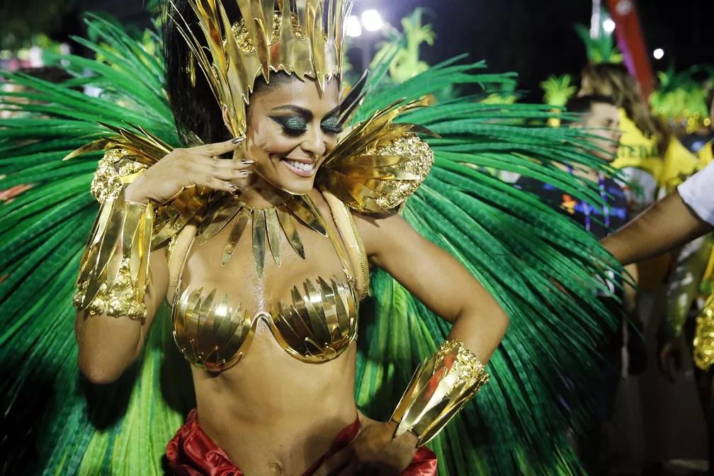 Juliana Paes, rainha de bateria da Grande Rio (Foto: Marcos Serra Lima/G1)