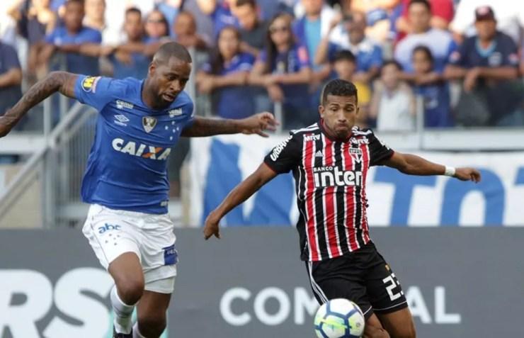 Rojas foi o melhor em campo na partida contra o Cruzeiro (Foto: Rubens Chiri / saopaulofc.net)