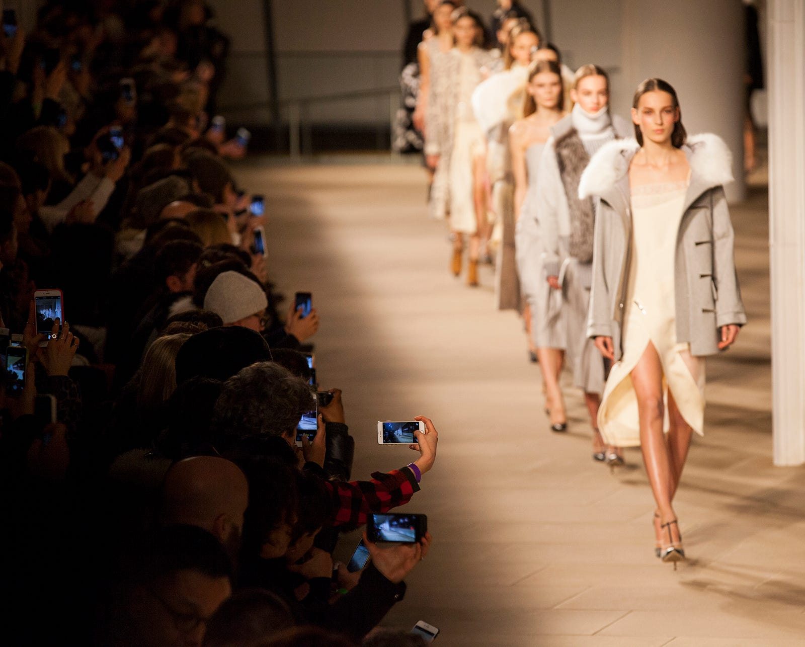 nyfw 2015 runway catwalk models phone cameras audience