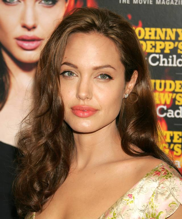 proof a minimal beauty routine works for angelina jolie