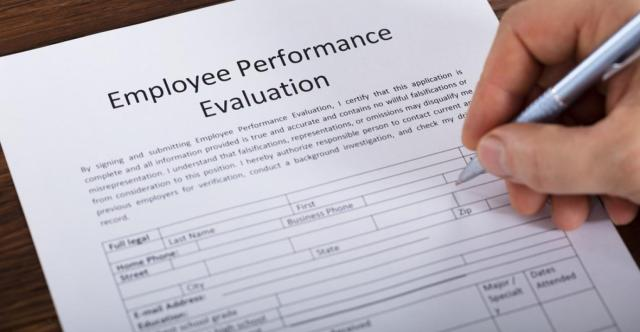 30 Employee Evaluation Comments You Can Use on Performance Reviews