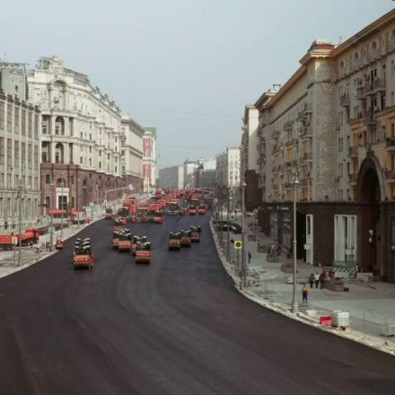 Resurfacing a street in Russia