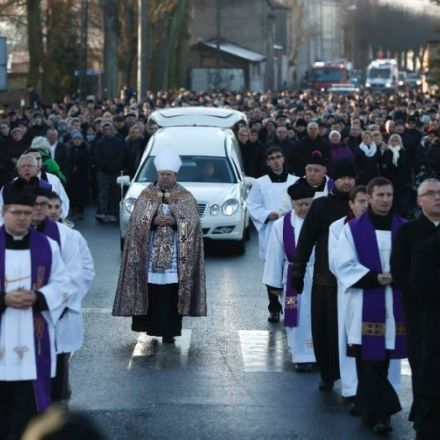 Hundreds attend funeral of Polish truck driver killed in Berlin