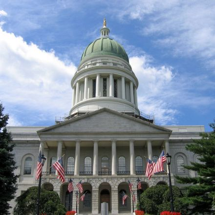 Independents, Republicans, and Democrats come together to propose internet privacy bill in Maine