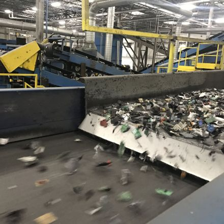 Apple Forces Recyclers to Shred All iPhones and MacBooks