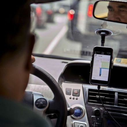 Putin taxes US tech companies in Russia, and Russian Uber drivers quit
