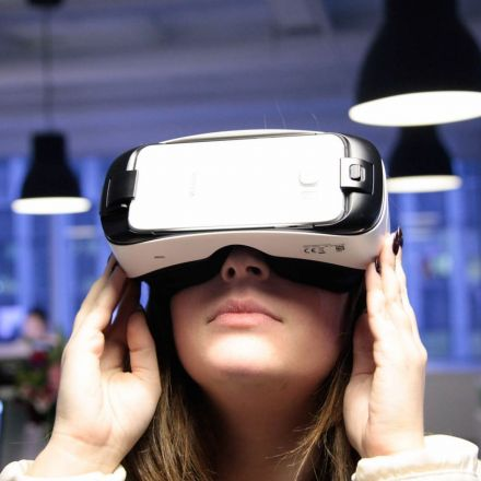 We can't expect virtual reality to make us better people online
