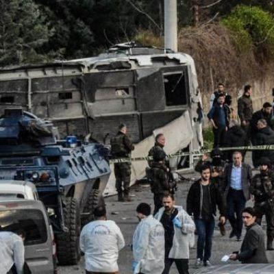 Diyarbakir: Bomb kills police in south-eastern Turkish city