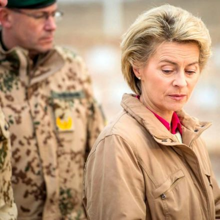 The Bundeswehr's image problem - is it overrun with right-wing extremists?