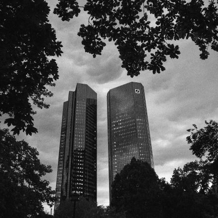 How Deutsche Bank Made a $462 Million Loss Disappear