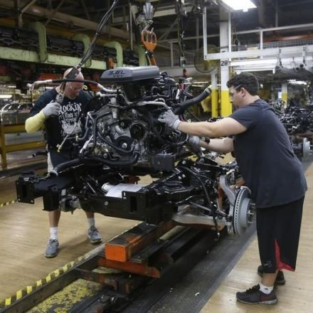 U.S. Factory Output Falls Sharply as Auto Production Sags