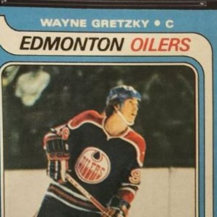 'Best card of the best hockey player of all time,' Wayne Gretzky, auctioned for record $465K US