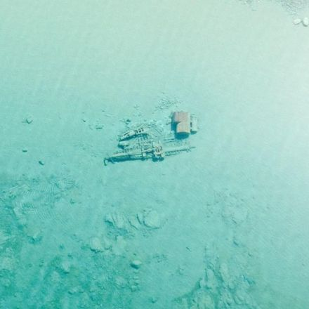 Lake Michigan Is So Clear Right Now Its Shipwrecks Are Visible From the Air