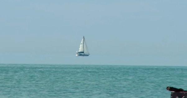 Floating boat???????
