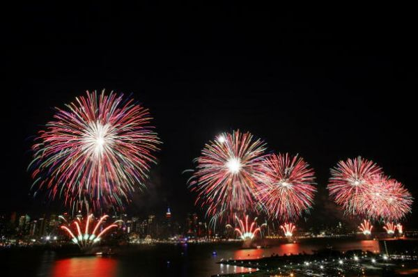 The Best Places to Celebrate New Year s Eve in New Orleans New Orleans New Year s Eve Fireworks
