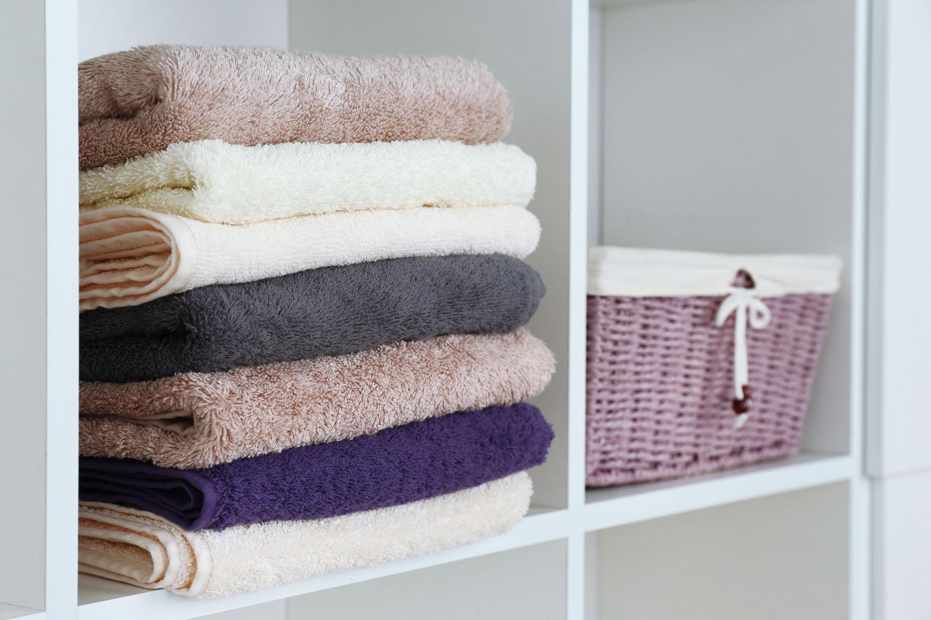 8 Linen Closet Storage Hacks To Help You Stay Organized