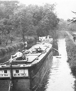 A canal boat.  (Photo: National Canal Museum)