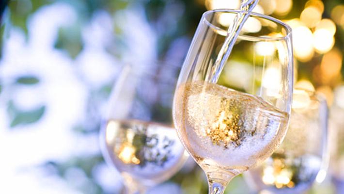 白ワインに合うおつまみランキング!コンビニで買えるおすすめも!のイメージ