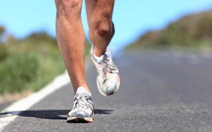跑步鞋怎麼選?高足弓、扁足弓,認識你的腳才能挑好鞋!