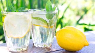 當命運給你酸檸檬,就把它變成好喝的檸檬水吧!