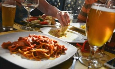 吃大餐不再怕發胖!營養師的飲食秘笈看這裡!
