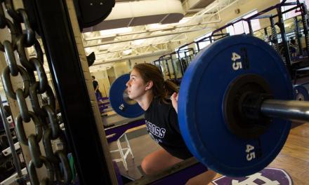 成為校園的風雲人物!用健身擺脫你的一身宅味吧!