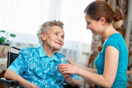 老年人的飲食該怎麼照護?流質飲食全攻略