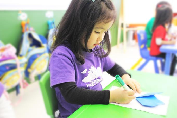 日本語のクラスでは、折り紙を使ったクラフトも行いますよ!
