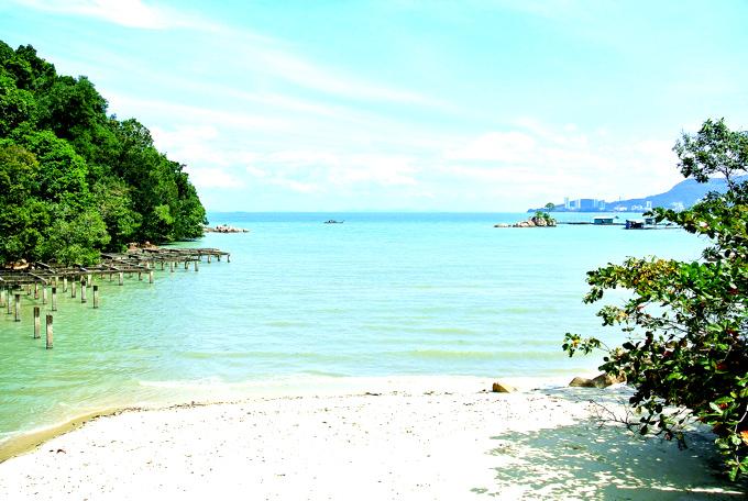 急成長しているマレーシア。親子留学中は、インターナショナルで洗練された都市の一面と、南国らしいトロピカルな環境両方をお楽しみいただくことができます