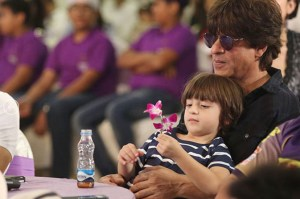 shahrukh khan loves spending time with abram