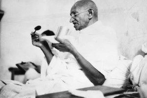 Mahatma Gandhi taking his last meal before the start of his fast, Rajkot, 1939. Credit: Wikimedia Commons
