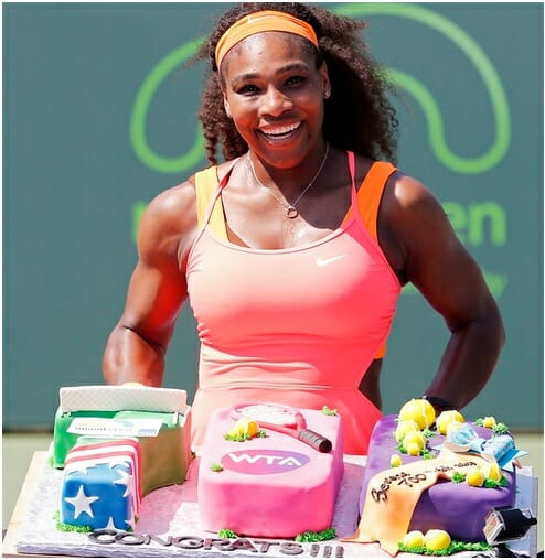 Serena Williams marks her 700th win with a cake