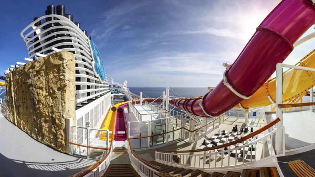Genting Dream Cruises 1-FOR-1 PROMO