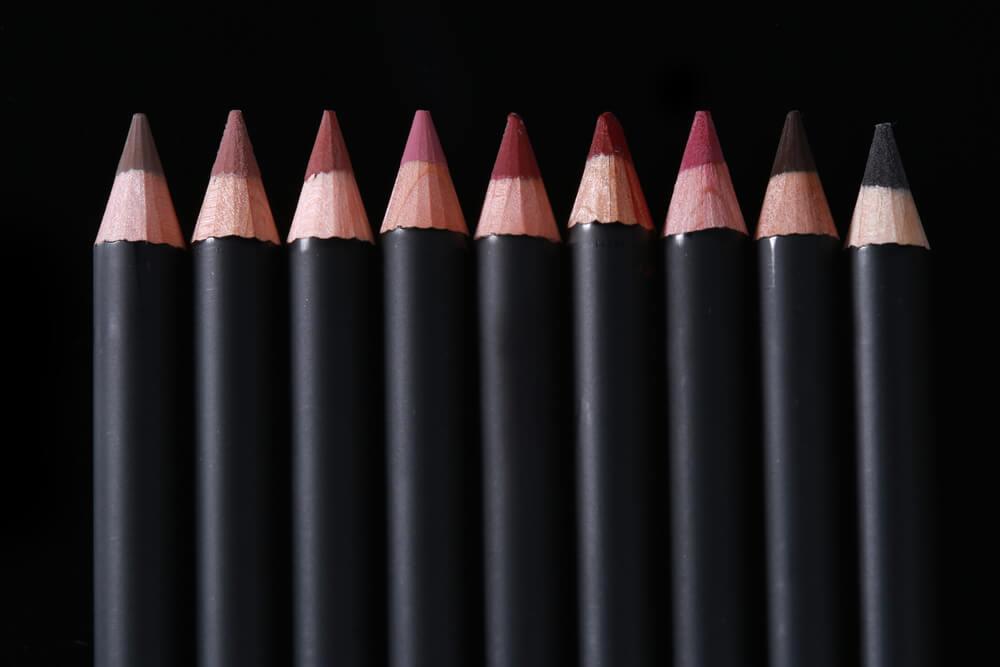 warna lip liner